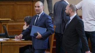 Никакво отклонение от членството в НАТО, отсече Цветанов