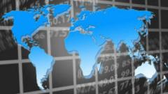 МВФ: Световната икономика отслабва и е крайно уязвима