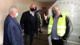 """Красен Кралев и Кирил Ананиев дадоха начало на реконструкцията на зала """"Борис Гюдеров"""" в Перник"""