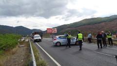 "Катастрофа между микробус и товарен автомобил блокира АМ ""Струма"""