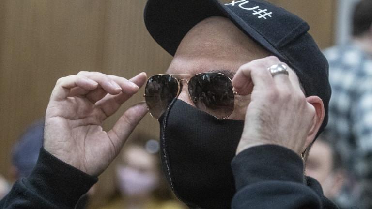 Московский судпризнал виновным известного российского кино и театрального режиссера Кирилла Серебренникова