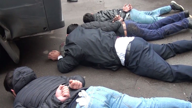 ФСБ на Русия арестува привърженици на украинска неонацистка група