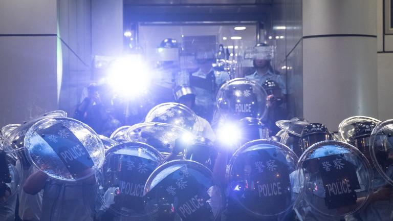 Хонконг ще прибегне до извънредна заповед за първи път от