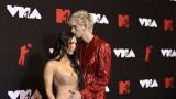 Меган Фокс, Machine Gun Kelly и появата им на червения килим на MTV VMAs
