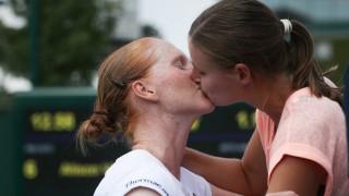 Алисон ван Уитванк ще играе с приятелката Греет Минен в Карлсруе