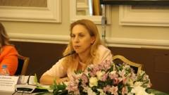 Спадът от 70% на пътуванията опустошава туризма, притеснена Марияна Николова