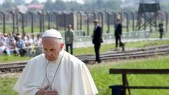 Папата предупреди за възхода на популизма и опасността от идването на нов Хитлер