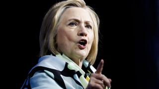 Приходите от Фондацията на Клинтън стигнаха 15-годишно дъно