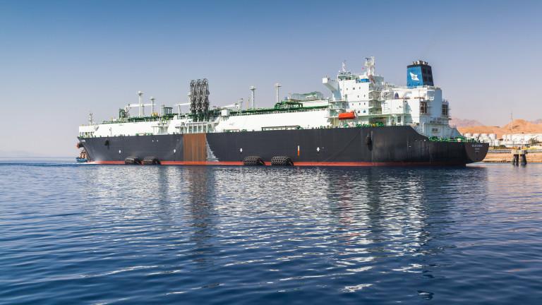 Експлодирала мина удари танкер край бреговете на Саудитска Арабия