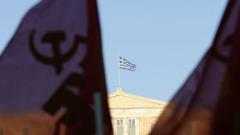 Близо половината германци искат Гърция да напусне еврозоната