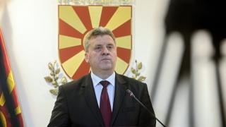 Опозицията обвини македонския президент в преврат, поиска оставката му