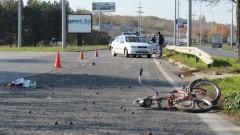 Пиян велосипедист се заби челно в автомобил във Врачанско