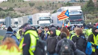 Поддръжници на Пучдемон блокираха пътища в Каталуния