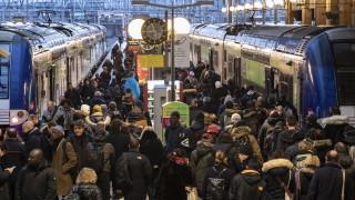 Икономиката на Франция се сви за първи път при Макрон