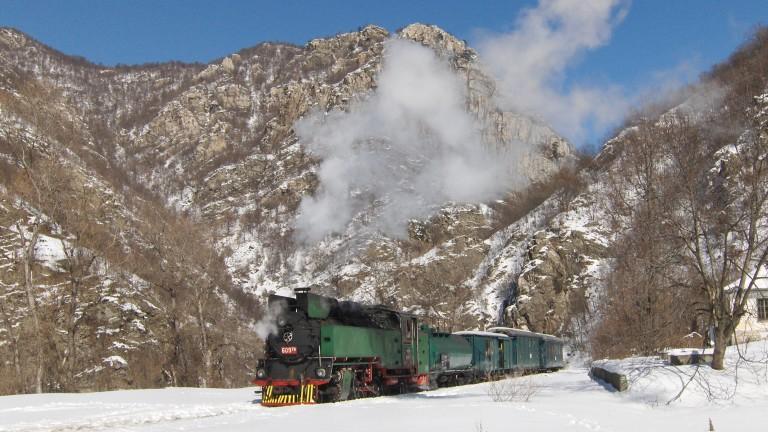 На пътуване със 70-годишен парен локомотив кани БДЖ