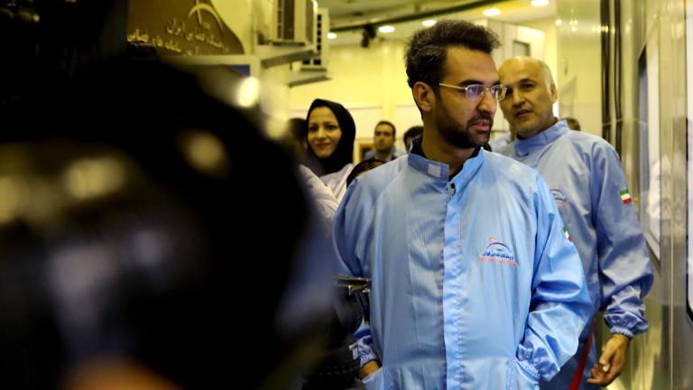 Иранският министър на информационните и комуникационни технологии Мохамад Джавад Азари