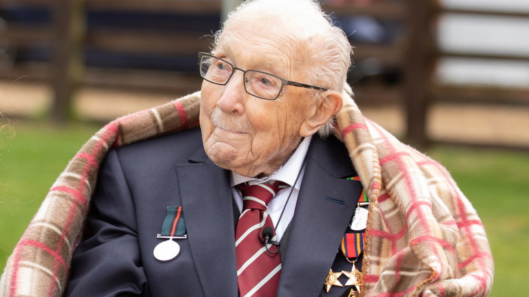 Ветеран от Втората световна война стана рицар