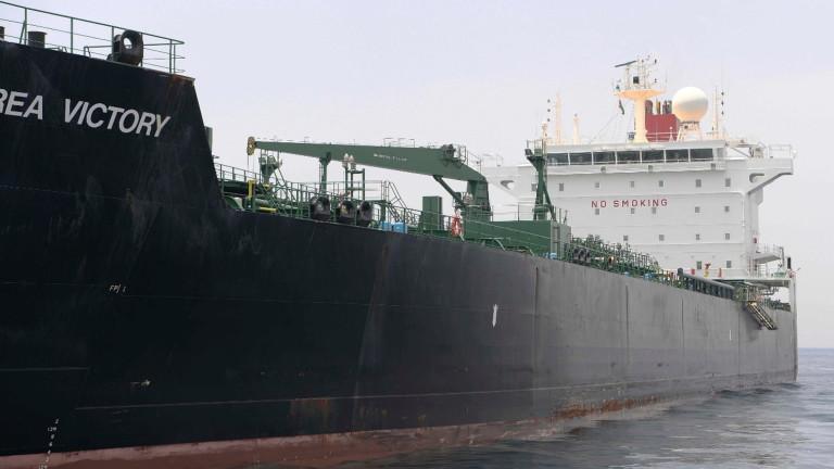 Иранска медия съобщи, че два големи петролни танкера са атакувани