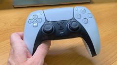 По-голям ли е джойстикът на PlayStation 5 от предшественика си
