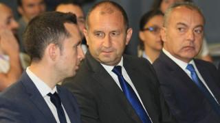За Румен Радев назначаването на Маринов за министър е парадоксално