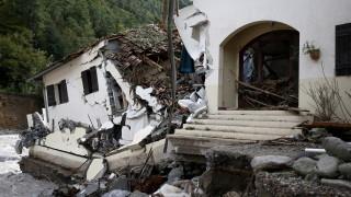 12 загинали при наводненията във Франция и Италия