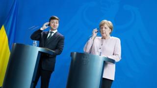 """Зеленски пред Меркел: Не е тайна, че позициите на Украйна и Германия за """"Северен поток 2"""" са напълно противоположни"""