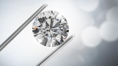 Най-големият търговец на диаманти вече няма да продава истински... диаманти