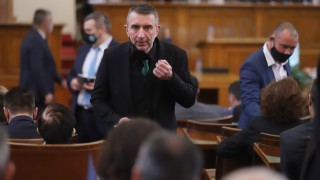 Слави Трифонов може и да не е кандидат за депутат