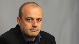Христо Проданов: При силен отзвук в обществото Борисов винаги се плаши и отстъпва
