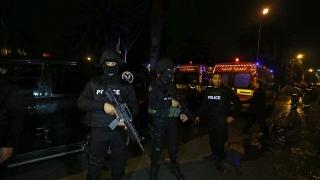 Взривиха автобус на президентската охрана в Тунис, има жертви