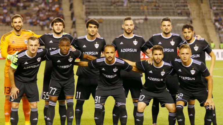 Симеон Славчев с гол при класическа победа на Карабах