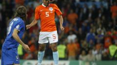 Джовани ван Бронкхорст е новият капитан на Холандия