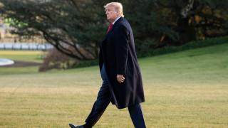 US Конгресът ограничи правата на Тръмп за военни действия в Иран