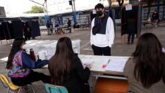 Ниска активност на изборите в Чили