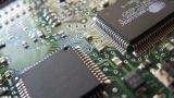 Кошмарът с липсата на чипове за технологичната индустрия ще продължи до 2023-а