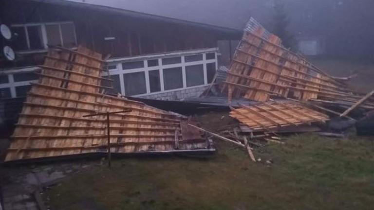 Училище в шуменското село Искра остава затворено заради бурята