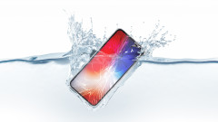 Може ли телефон да издържи шест месеца под вода