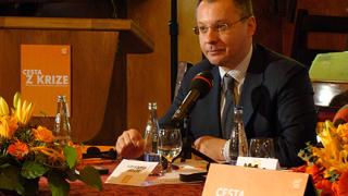 Станишев: Правителство не може да преодолее кризата