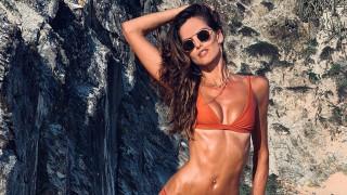 Колко секси е Изабел Гулар в Миконос