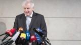 Зеехофер: Никой няма интерес от сваляне на канцлера и разпад на коалицията