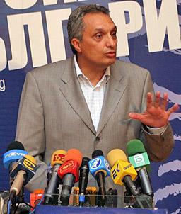 ДСБ: Станишев дава лъжливи обещания