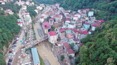 Продължава да расте броят на жертвите при наводненията в Турция