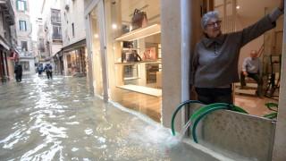 Венеция отново остана под вода