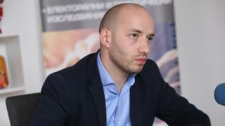 Димитър Ганев: Да не преувеличаваме вота в чужбина