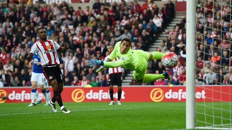 Английският национал Джърмейн Дефоу стана поредният футболист, удостоен с титлата