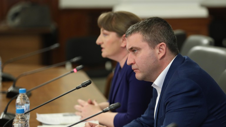Най-негативният сценарий за българската икономика, който правителството очаква, е за
