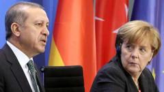 Меркел призова Ердоган да е сдържан в Сирия