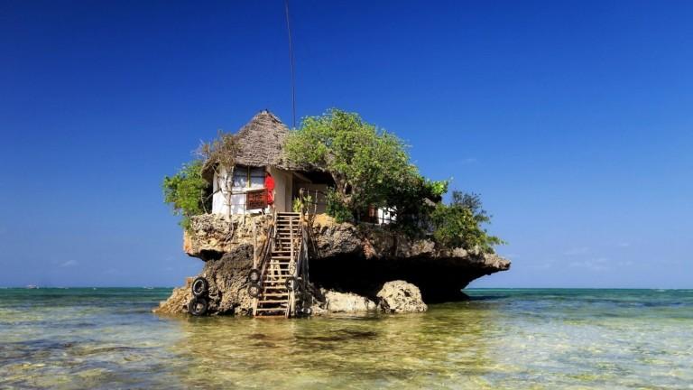 Има причина, поради коятоThe Rock става най-известният ресторант на Занзибар