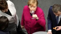 Политическите игри на Меркел може да сложат прът в икономиката на Германия