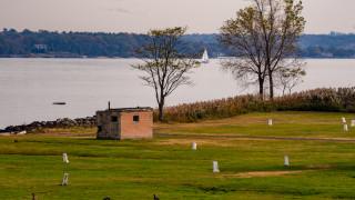 Американският остров, на който са погребани над милион души